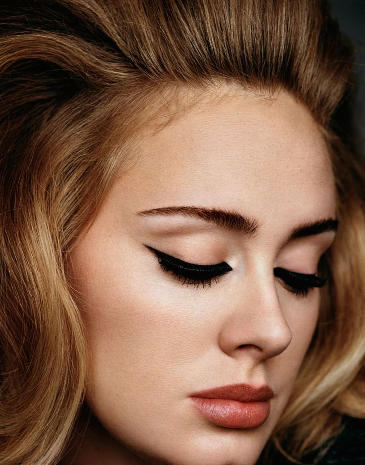 Hello! Gel liner is a must when listening to Adele. Good thing she knows a thing or two about a perfect winged eye. Source: Pinterest