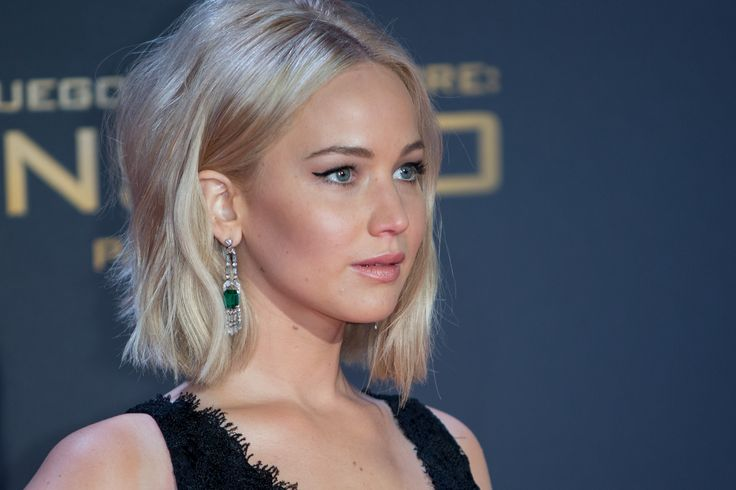 Can J-Law do wrong? Channel her natural radiance with a light mineral foundation and a sweep of highlight! Source: Pinterest