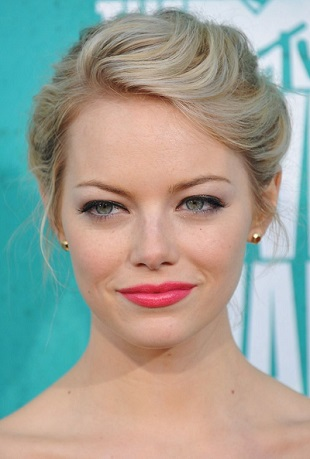 Think pink a la Emma Stone for a naturally gorgeous flush! Pic: Pinterest