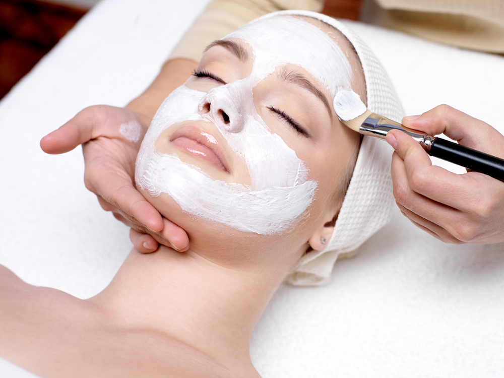 Sit back, relax, and allow us to pamper your pretty face!