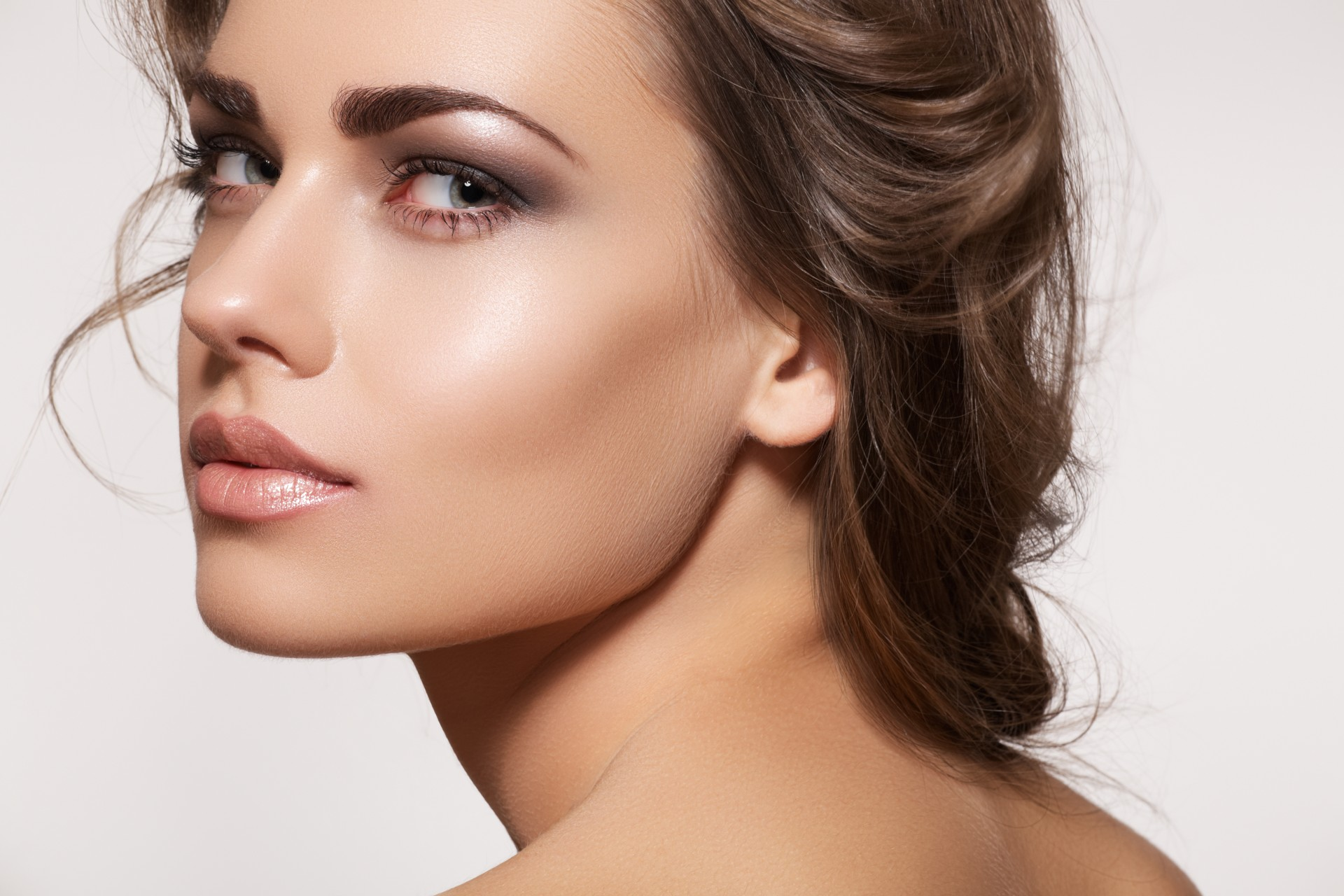 Gorgeous glowing skin, tick. Sculpted brows, tick.